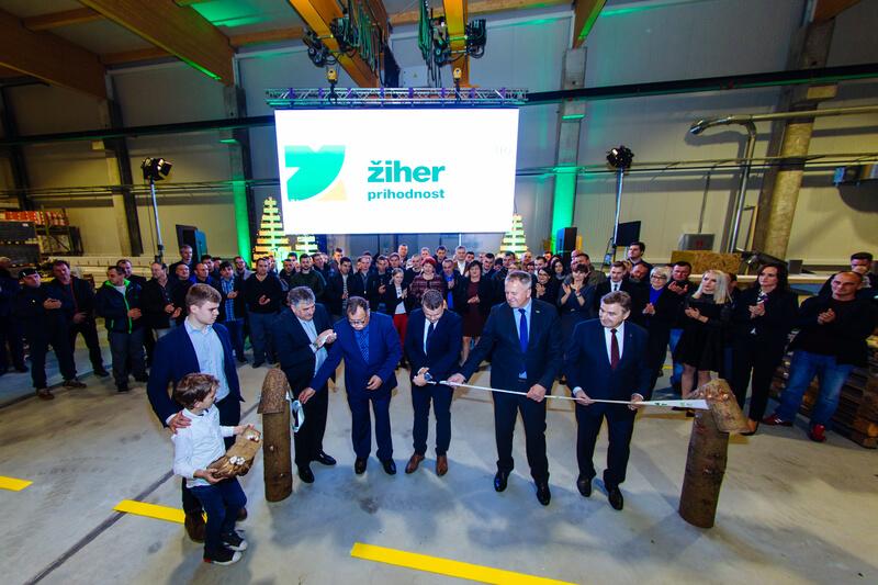 Uradna otvoritev nove hale za proizvodnjo montažnih Žiher hiš